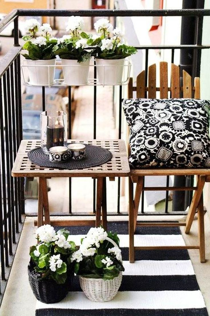 53-Mindblowingly-Beautiful-Balcony-Decorating-Ideas-to-Start-Right-Away-homesthetics.net-decor-ideas-3
