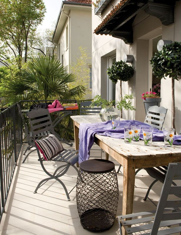 Small-Balcony-Design-Ideas-19