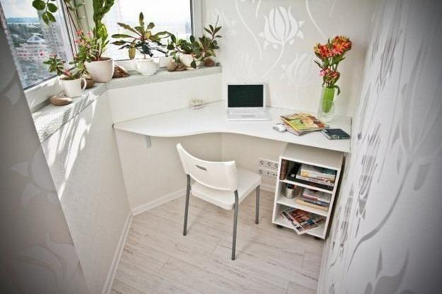 small-balcony-home-office-designs-7